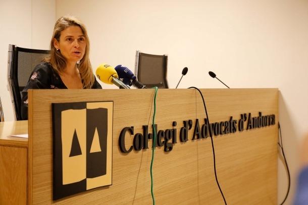 Sophie Bellocq va comparèixer ahir a la sala d'actes del Col·legi d'Advocats.