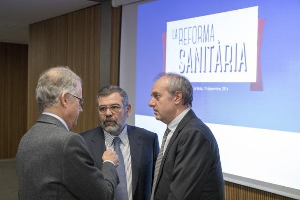 Álvarez planteja finançar la sanitat per via impositiva i amb taxes noves