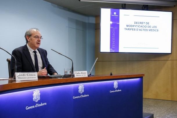 El ministre de Salut, Carles Álvarez, va presentar ahir la modificació del decret de les tarifes de visites mèdiques.