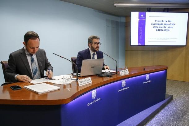 Els ministres Xavier Espot i Èric Jover van presentar ahir els dos projectes de llei relatius als infants i adolescents.