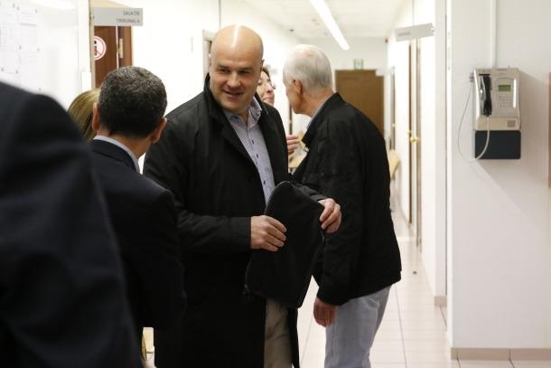 L'oposició lamenta que el judici a Calvet afecta la imatge dels polítics