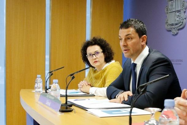 Gallardo i Pallarès van exposar ahir diferents disfuncions del servei d'atenció domiciliària des que es troba a mans del Govern.
