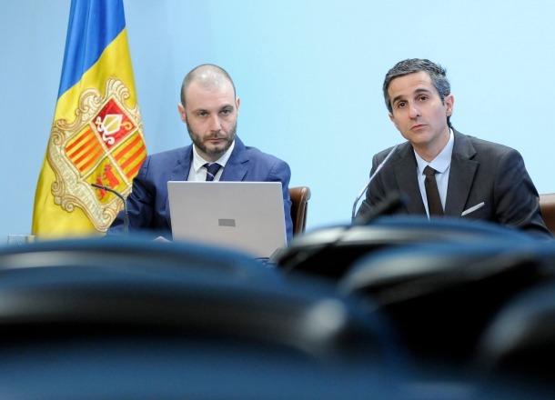 Jordi Casadevall i Antoni Rodríguez en la compareixença d'ahir.