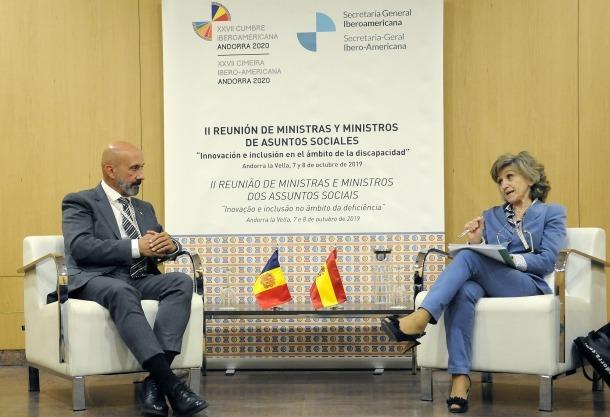 Un moment de la trobada entre Joan Martínez Benazet i María Luisa Carcedo.
