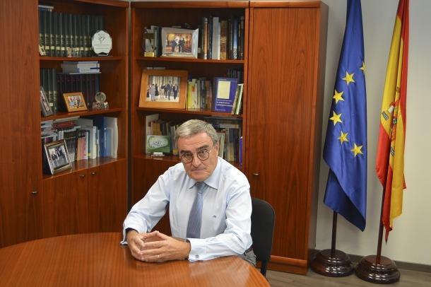 L'ambaixador d'Espanya al Principat, Àngel Ros, al seu despatx.