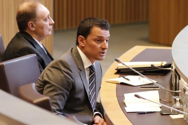 Gallardo manté que és Martí qui desconeix el dossier europeu