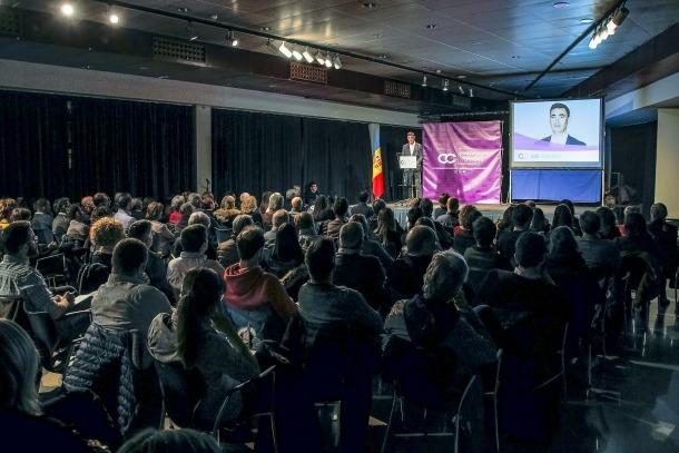 Una reunió de poble de Ciutadans Compromesos durant la campanya de les eleccions generals de l'abril passat.