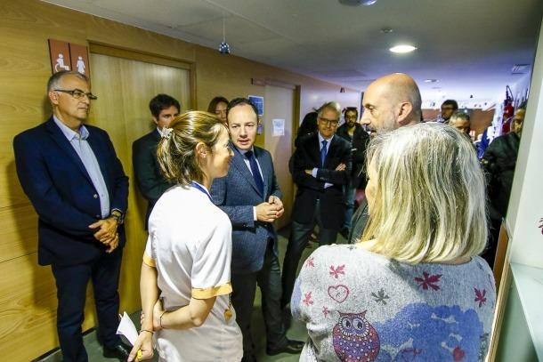 El cap de Govern i el ministre de Salut durant la seva visita a les instal·lacions del Cedre, ahir.