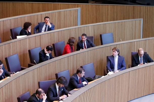 L'oposició va criticar amb duresa l'increment de les despeses de personal.