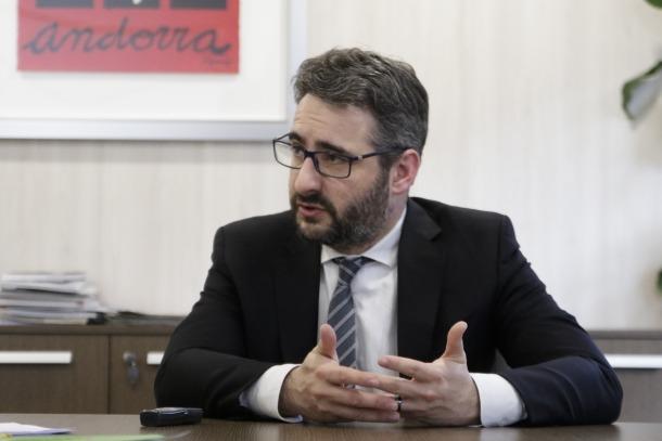 El ministre de Finances, Eric Jover, al seu despatx de l'edifici administratiu del Govern.