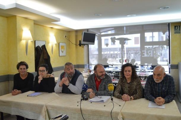 Els representants dels diferents sindicats –Sitca, Ustcee, Sipaag, USdA, CFPA i SAT– en la compareixença d'ahir.