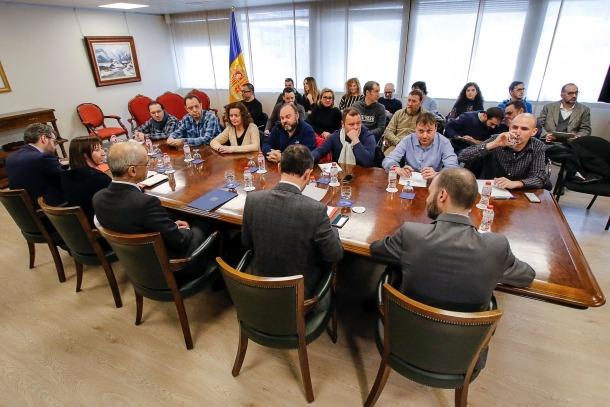 Un moment de la reunió de dilluns entre l'executiu i els representants dels sindicats de l'Administració.
