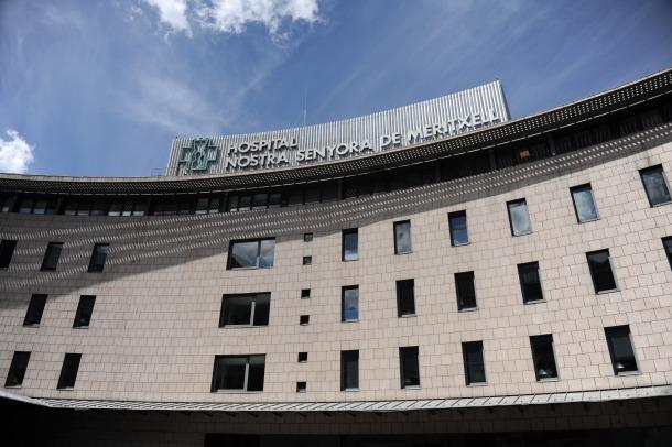 La indemnització la paga l'asseguradora de l'hospital i dos traumatòlegs.