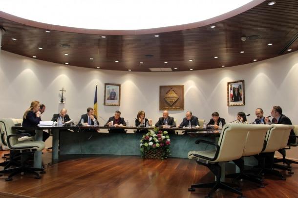 Un moment de la sessió del consell del Comú d'Encamp que es va celebrar ahir.