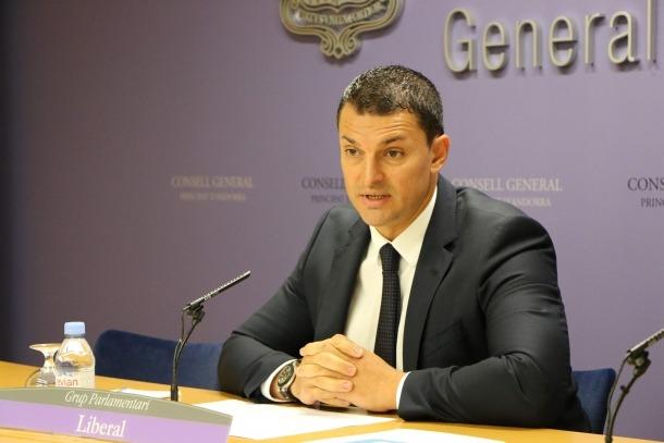 El president del grup parlamentari liberal, Jordi Gallardo, en la compareixença d'ahir al Consell General.