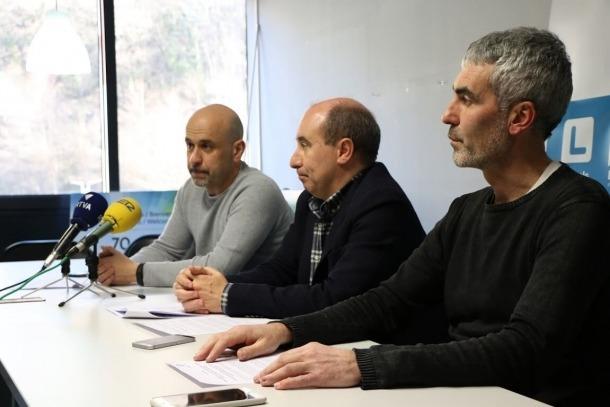 Higini Martínez-Illescas, Alfons Clavera i Marc Magallón en la compareixença d'ahir.
