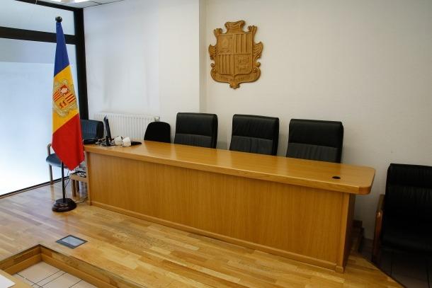 El judici està previst que es reprengui el 12 de setembre vinent.