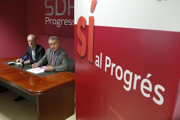 Josep Roig i Jaume Bartumeu van presentar ahir el lema de la campanya.