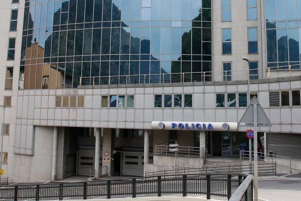 Edifici administratiu de l'Obac.