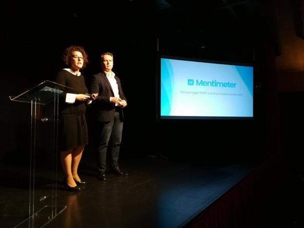 Judith Pallarés i Ferran Costa en un moment de la reunió d'ahir a la Valireta.