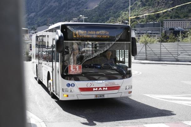 La Hispano avalua portar a la Batllia el concurs per a les línies d'autobús