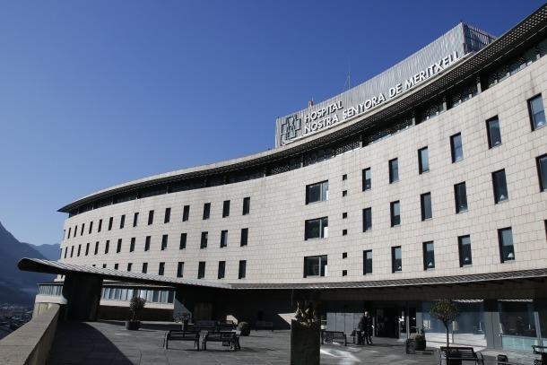 Reunió per les bases del concurs del servei d'oncologia integral
