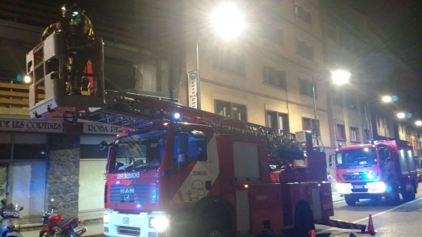 Ensurt per la presència de fum en un edifici de Príncep Benlloch