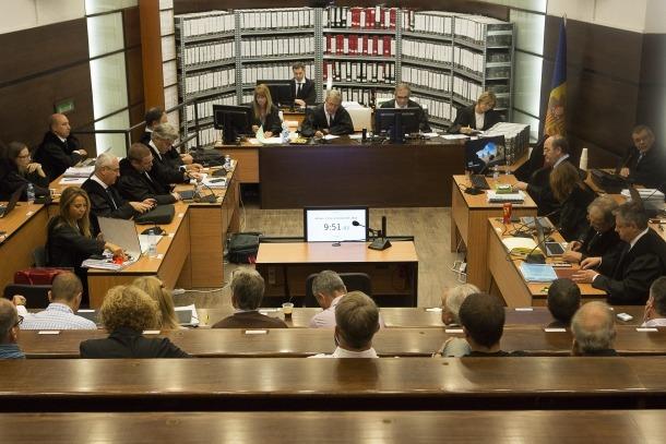 El Tribunal de Corts va marcar el 16 de setembre com a data per reprendre el judici.