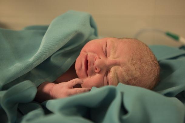 La taxa de cesàries continua sent el triple que la recomanada per l'OMS