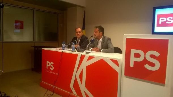 El diputat portuguès Paulo Pisco amb el president del grup parlamentari socialdemòcrata, Pere López.