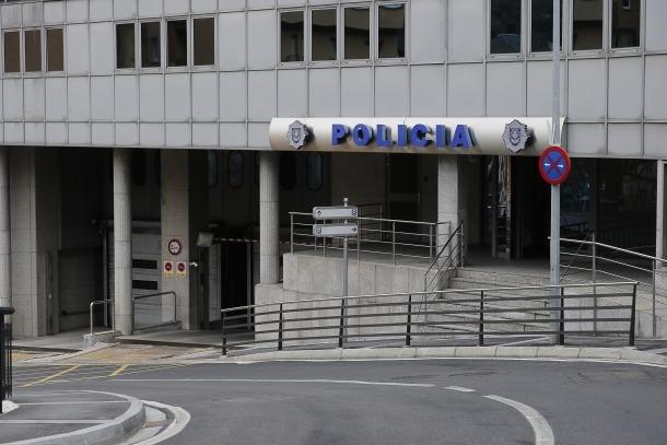 La policia va detenir la setmana passada dinou persones, set per delictes contra la seguretat en el trànsit i tres contra la salut pública.