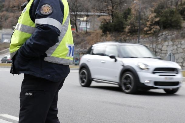 Control policial d'alcoholèmia.