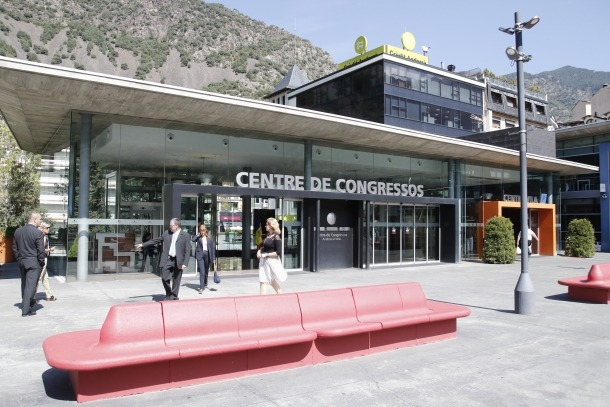 El concurs del casino permet reduir a 560 places l'aforament de l'auditori
