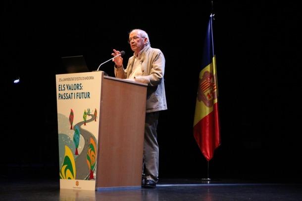 El filòsof Javier Echevarria en la conferència sobre valors i era digital, ahir a la tarda.