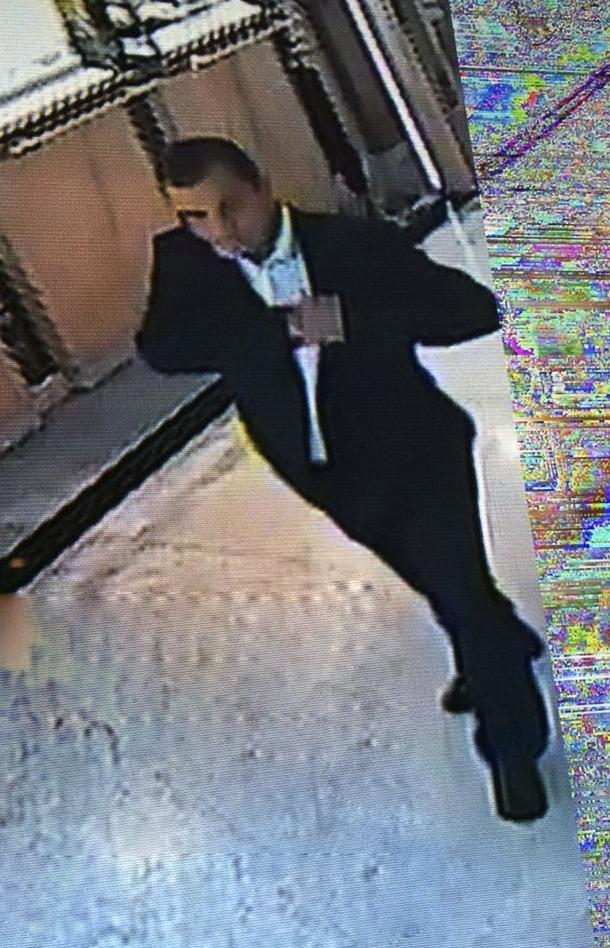 Un fotograma on apareix el lladre buscat.