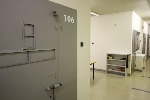 La dona va ingressar ahir a la presó en acabar el judici perquè la fiscalia veu risc de fuga.