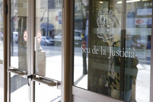 Porta de la Seu de la Justícia.