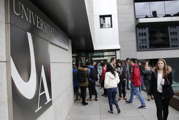 La UdA treballa amb el ministeri d'Educació perquè el procés d'homologació amb Espanya sigui ara més àgil i més homogeni.
