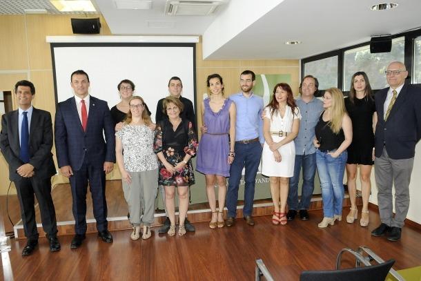 Els participants al taller d'emprenedors d'enguany acompanyats pel coordinador, Joan Gonfaus, Gallardo i Nicolau, ahir.