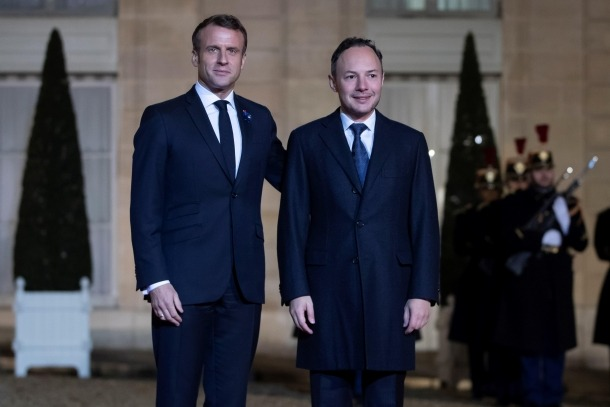Emmanuel Macron i Xavier Espot ahir a París.