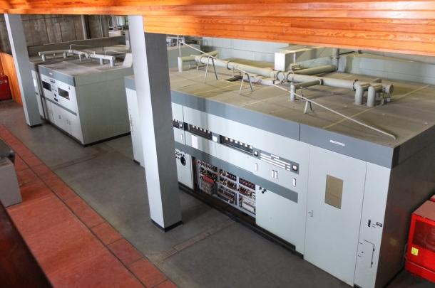 La sala de màquines de Sud Radio, al Pic Blanc, des del mòdul de servei de la primera planta.