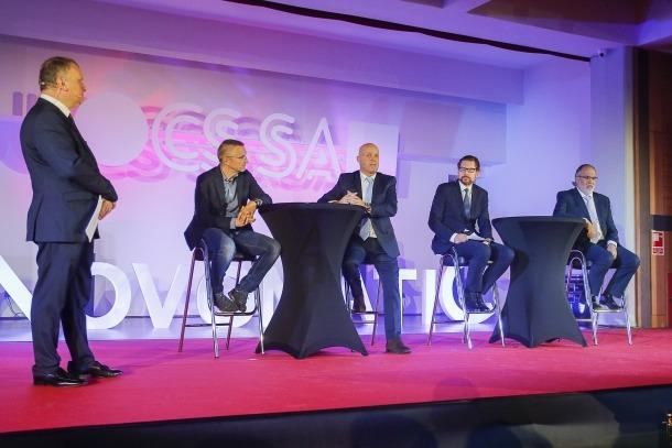 L'arquitecte Pere Espuga, Marc Martos, Bernhard Teuchmann de Novomatic i el programador de tornejos Juan de Diego.
