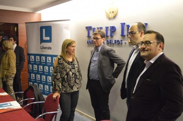 Dimiteixen cinc membres de l'executiva de Liberals d'Andorra