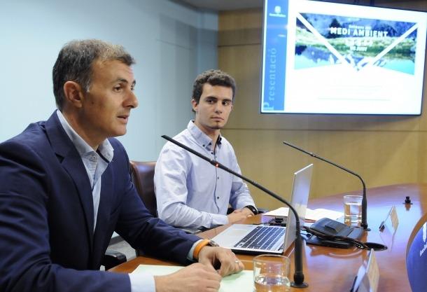 Marc Rossell i Jordi Ribes van presentar ahir les activitats incloses en la Setmana del medi ambient que té lloc fins divendres.
