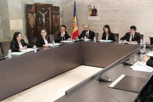 Choy intervé en un consell de comú d'Ordino com a membre de l'oposició.