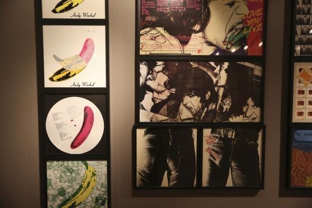 Warhol va perpetrar aquesta portada de Velvet Underground: el CAEE n'exposa la raríssima primera edició.