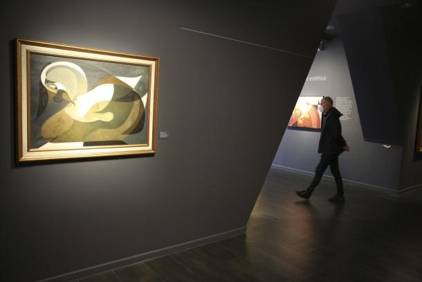 La retrospectiva consagrada al pintor Joan Monegal, fins al 13 de setembre, pot ser l'última exposició que pengi a ArtalRoc.