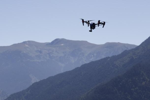 Iniciativa per poder introduir drons per a rescats de bombers