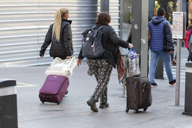 Els turistes tornen a fer reserves d'última hora, perquè la climatologia no acompanya.