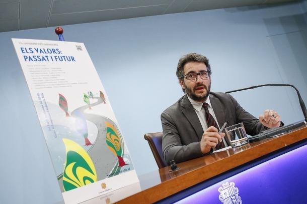 El ministre Èric Jover va presentar ahir a la tarda la 35a Universitat d'estiu.